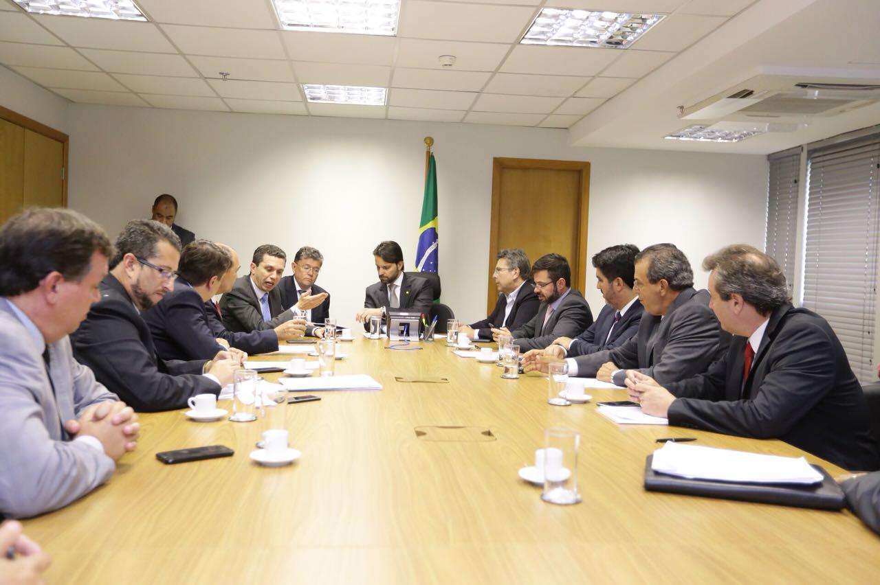 Pinato leva prefeitos para acelerar projetos e recursos no Ministério das Cidades