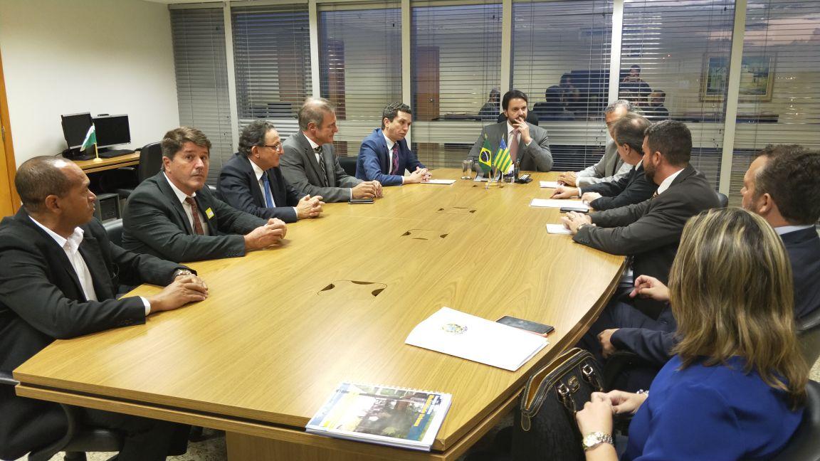 No Ministério das Cidades, Pinato leva demandas de Jales