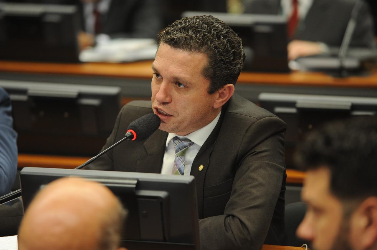 """Na CCJC, Pinato relata """"Lei Cristiano Araujo"""""""