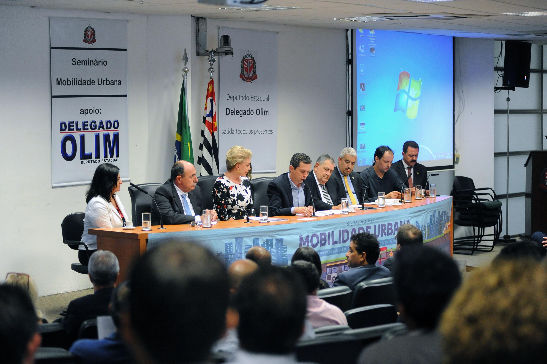 Pinato reúne gestores em Seminário para debater mobilidade e projetos de infraestrutura
