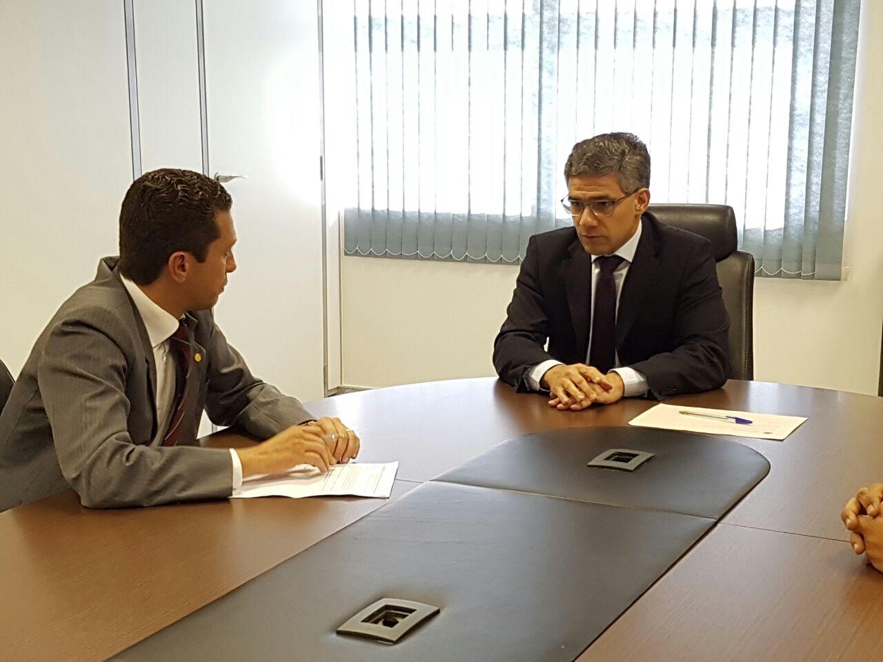 Deputado Pinato comemora reabertura de frigorífico em Santa Fé do Sul