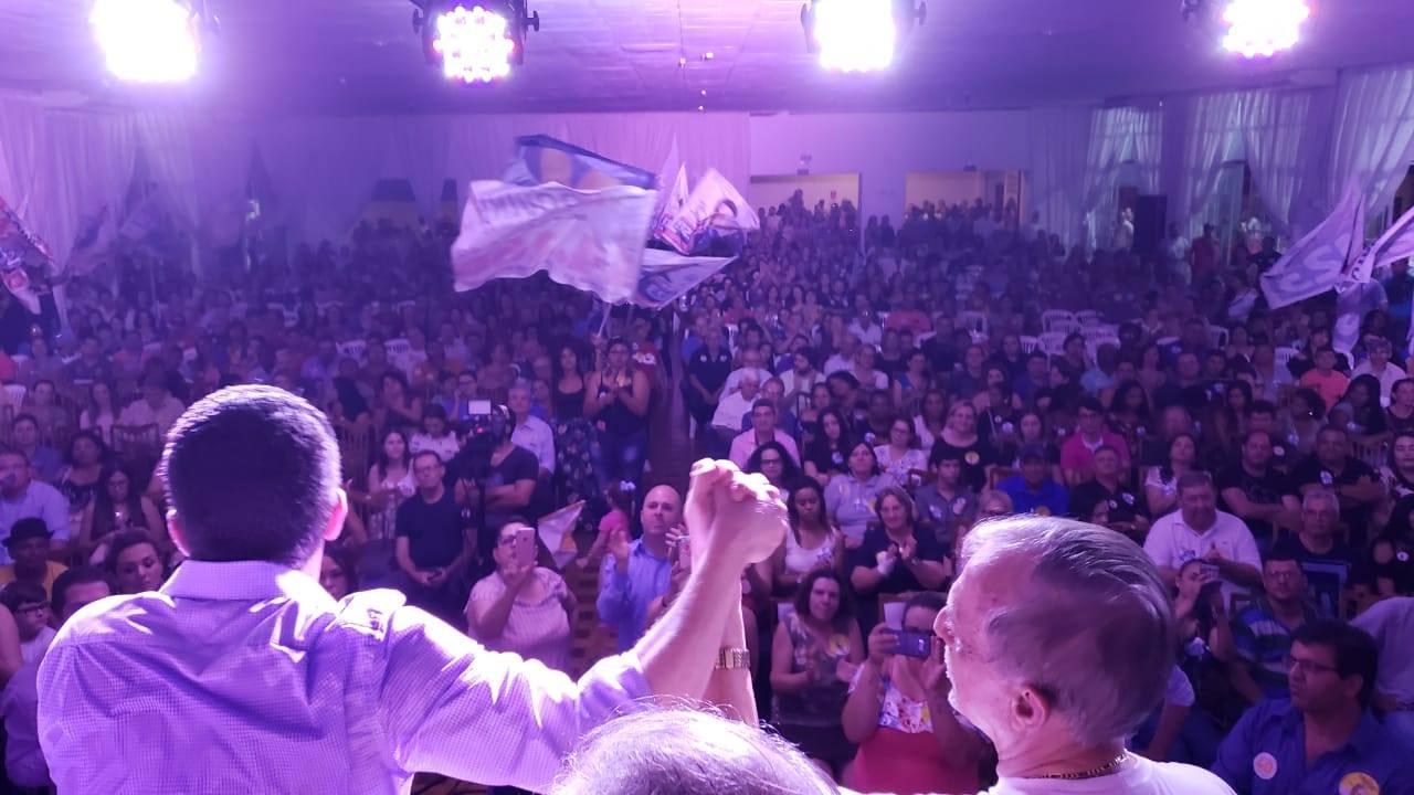 Encontro de apoio a Pinato e Roquinho lota evento em Birigui