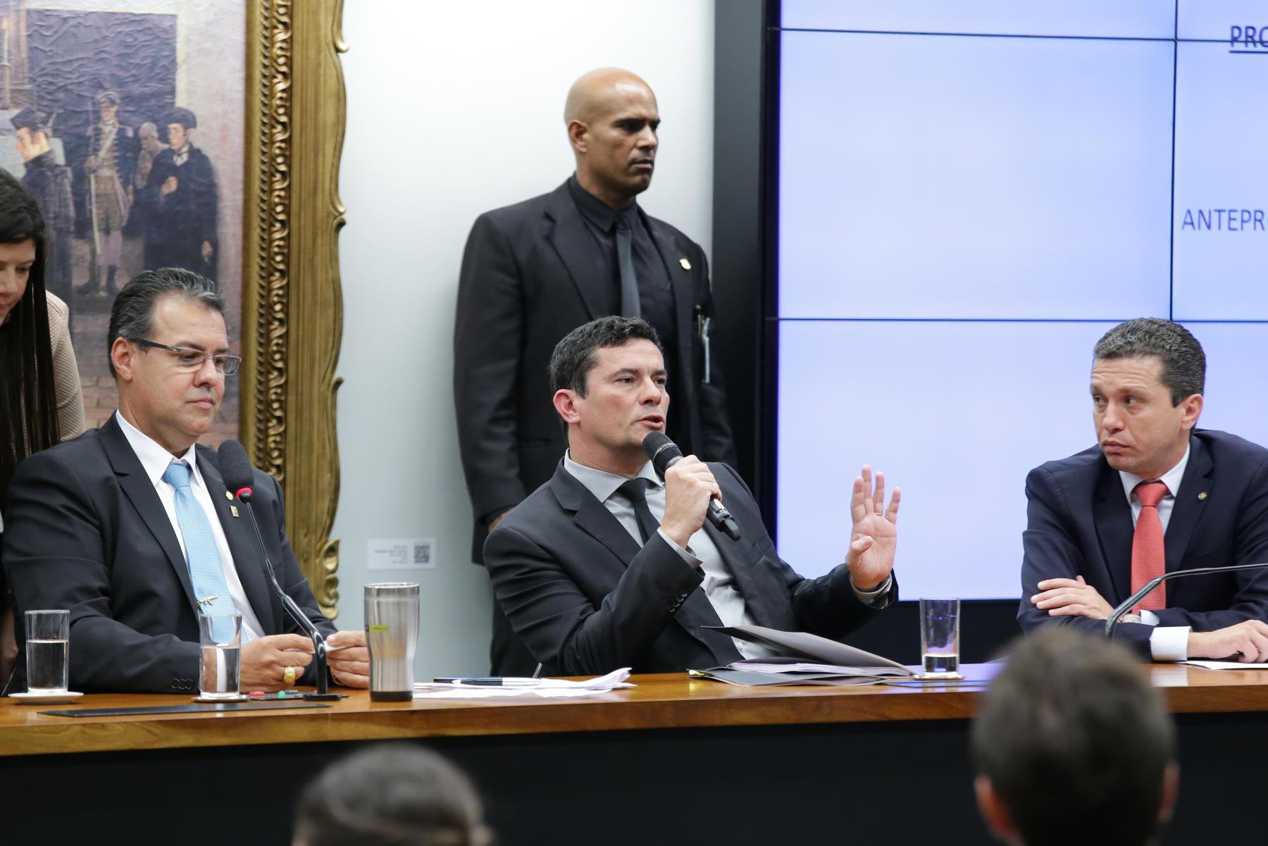 Pinato participa de debate sobre lei anti-crime com Ministro Sérgio Moro
