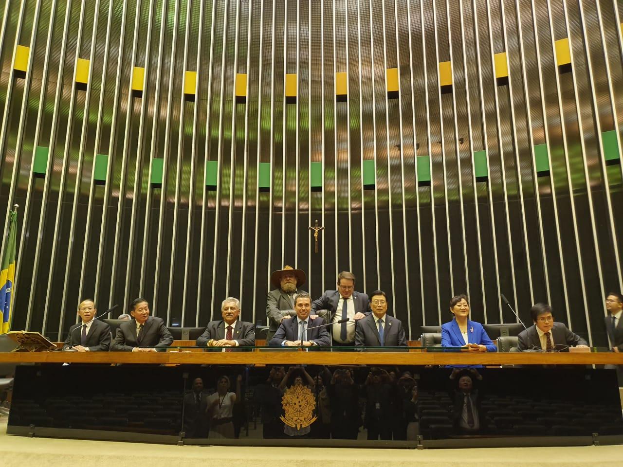 A convite de Pinato, Câmara recebe Comissão de Agricultura chinesa