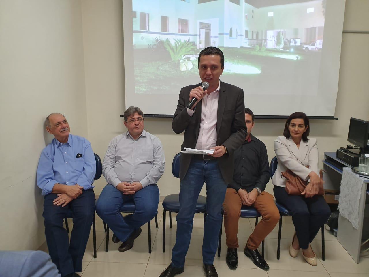 Pinato conquista sete novos aparelhos de hemodiálise para Dracena