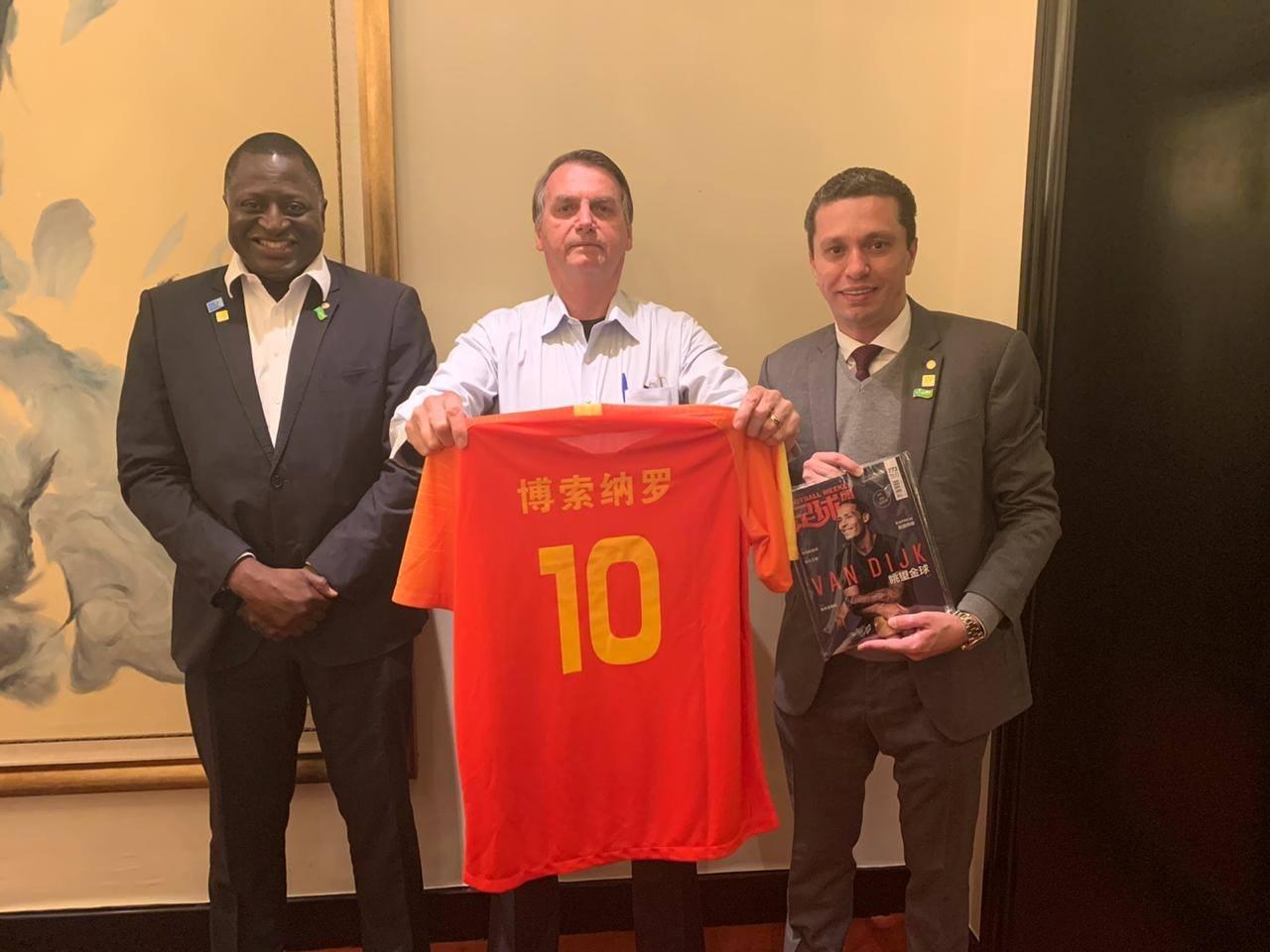 Em missão com Bolsonaro, Pinato comemora novos acordos com a China